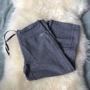 🔥3 for 15$🔥Grey Calvin Klein Capri pants